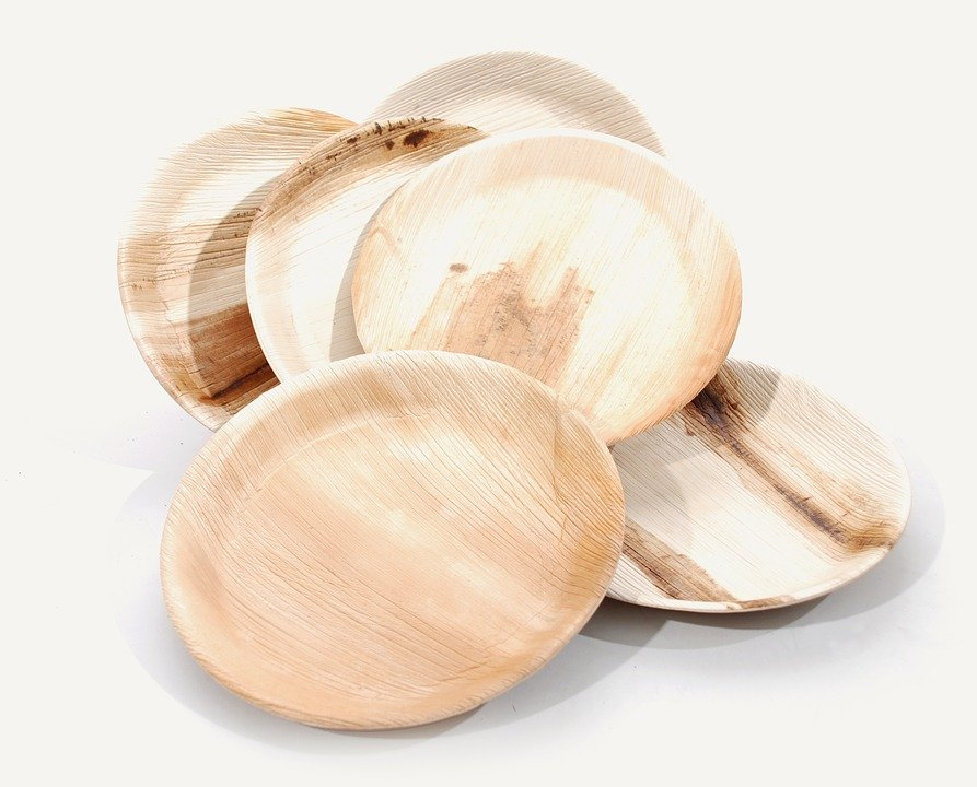 L'assiette en bois, le must have des cuisines modernes!